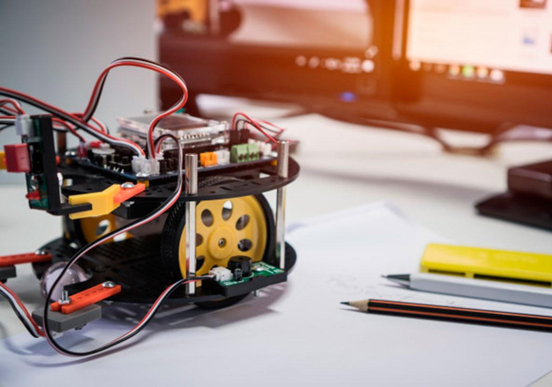 1С: Клуб программистов: Основы робототехники.